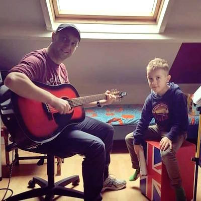 Jeroen musiceert samen
